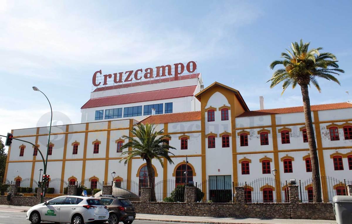 La antigua fábrica de Cruzcampo en la Avenida de Andalucía de Sevilla/ Patricia Ruiz