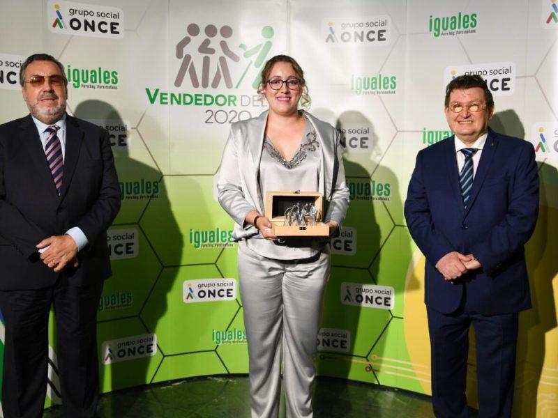María Fernández con el presidente del Grupo Social ONCE Miguel Carballeda y director general ONCE Ángel Sánchez