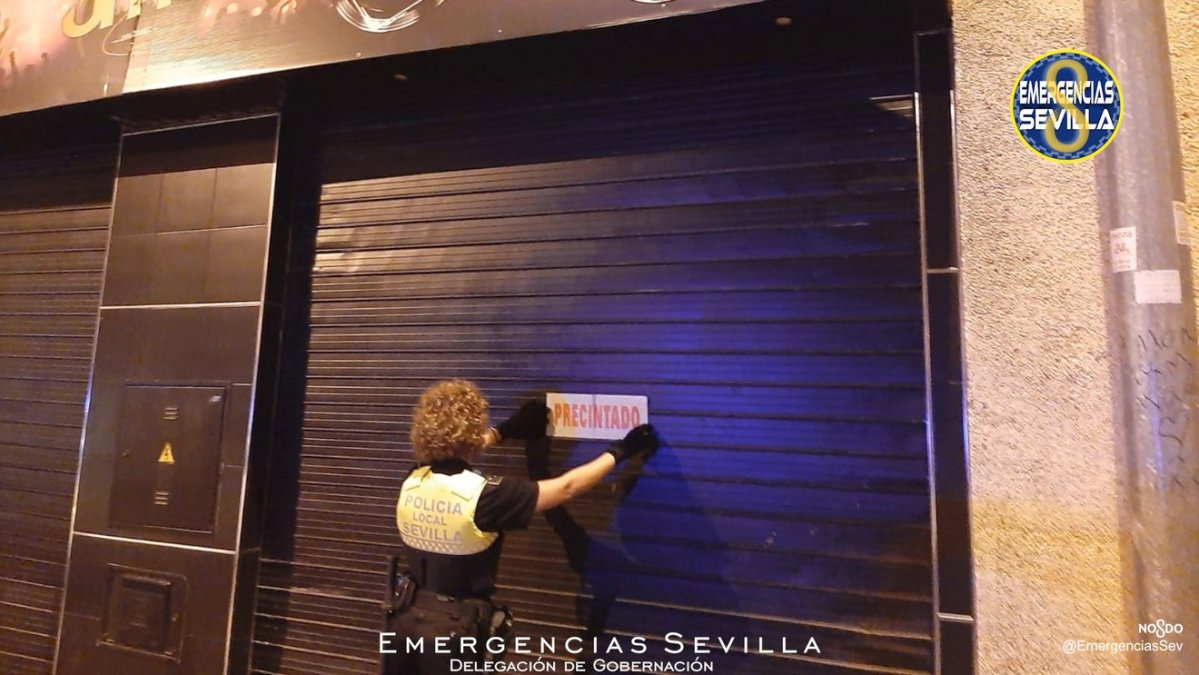 Establecimiento precintado en la calle Metalurgia / ES