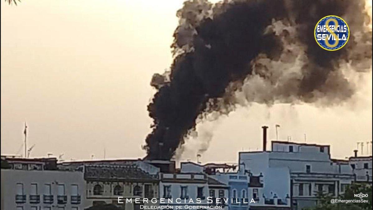Incendio en la calle Pureza / ES