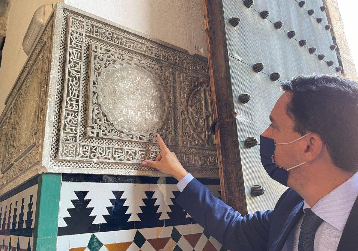Vandalismo en el Alcázar de Sevilla / PP