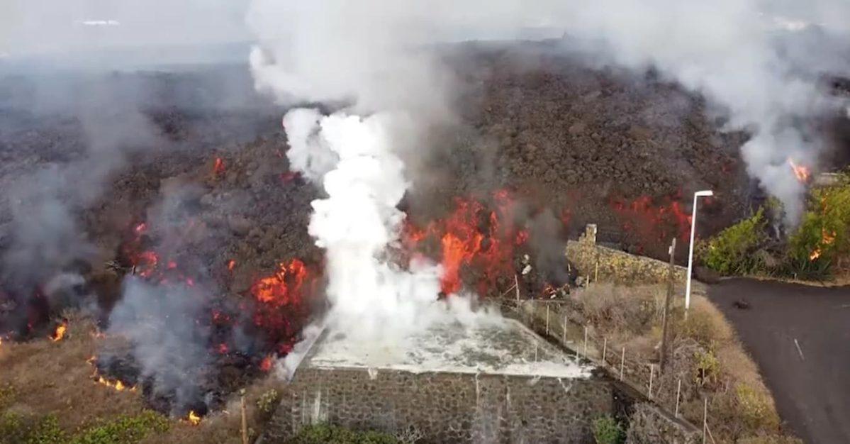 Avance de la colada de lava del volcán de La Palma / RRSS