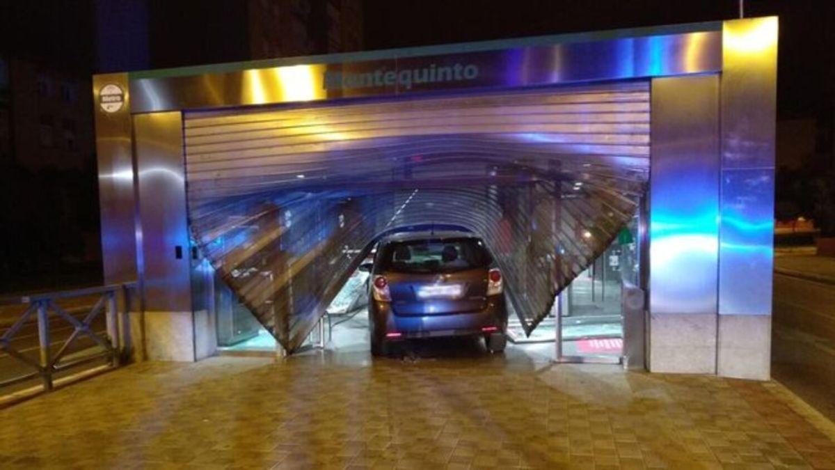 Así quedó la persiana de la estación de Metro de Montequinto / Cadena DH