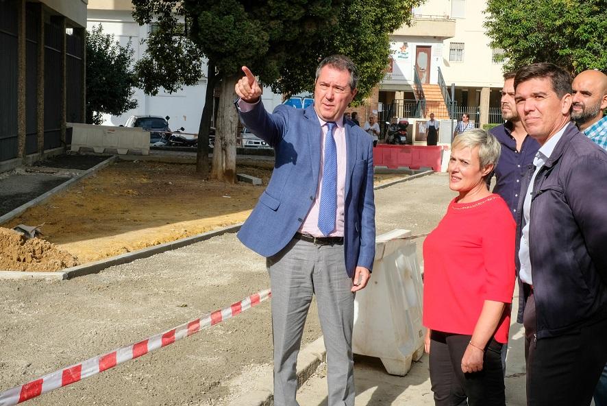 El alcalde visita las obras del distrito San Pablo.
