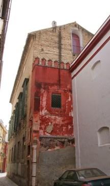 Situación de la fachada por calle imperial. Foto. leyendasdesevilla.blogspot.com