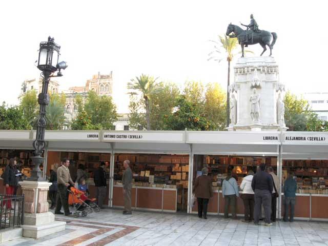 Feria del Libro Antiguo y de Ocasión de Sevilla.