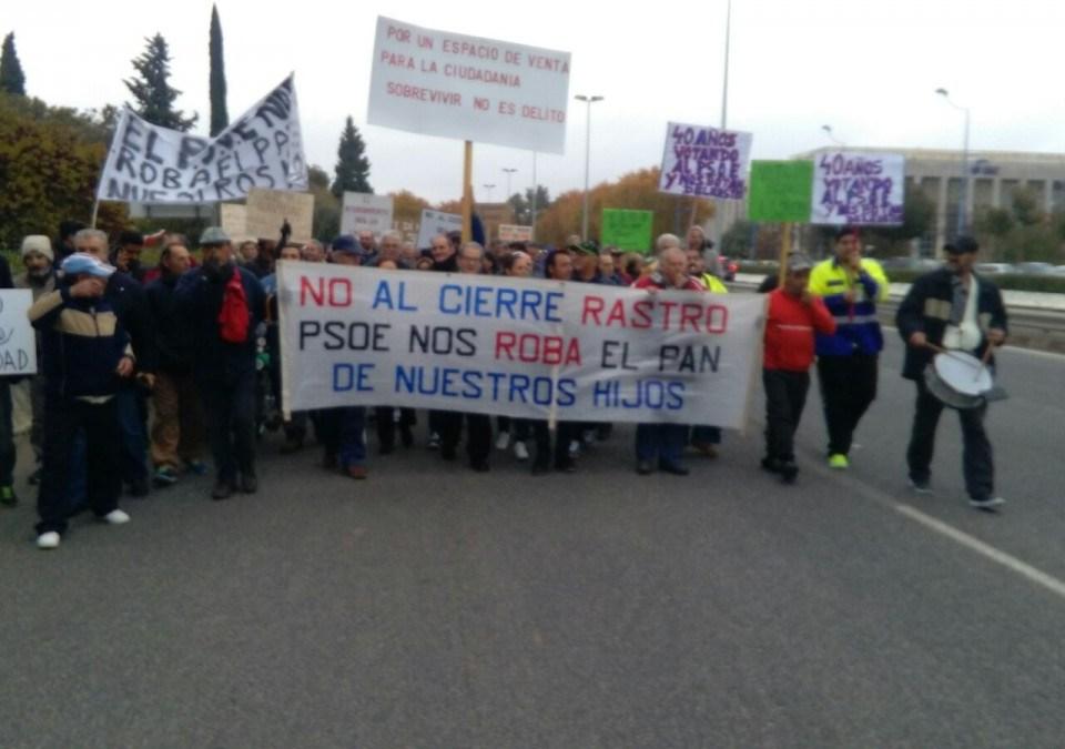 Manifestación de los vendedores ambulantes del Charco de la Pava.