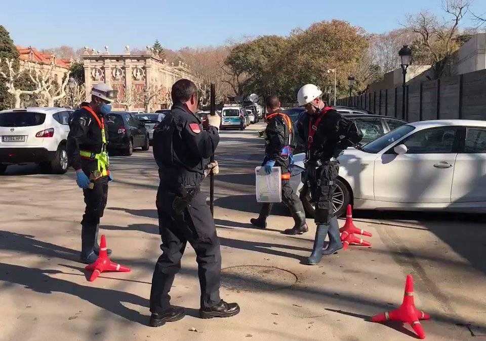Unidades de subsuelo de la Policía en las inmediaciones del Parlamento de Cataluña