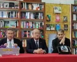 Presentación en Sevilla de «El Correo de Tánger» de Fernando de Artacho
