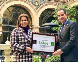 El Hotel Alfonso XIII hace entrega a Nuevo Futuro  del Cheque Solidario