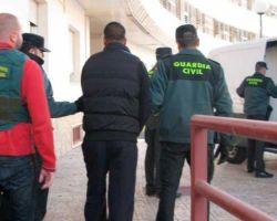 El alcalde de Isla Mayor alerta que la Guardia Civil «está en cuadros» pese al foco de narcotráfico