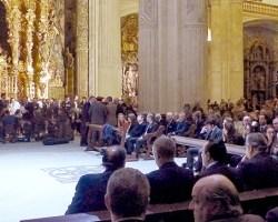 La misa en memoria de Rafa Serna congregó a cientos de personas