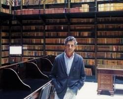 El poeta jerezano Rafael Benítez debuta en Sevilla con la presentación de su libro «Lecciones de provincia»