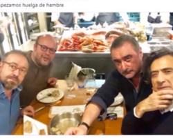 El zasca de Arturo Pérez Reverte en Twitter
