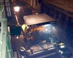 Obras de madrugada del Ayuntamiento de Sevilla que traen de cabeza a los residentes (Vídeo)