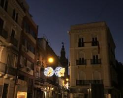 Sevilla amanece iluminada por la Navidad