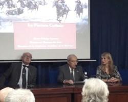 """Éxito de María Fidalgo y """"La pintura carlista"""" en el Colegio de Médicos."""