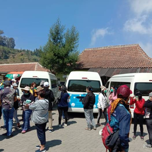 Sewa Hiace Ibu Herlina 3 unit Dieng - 10