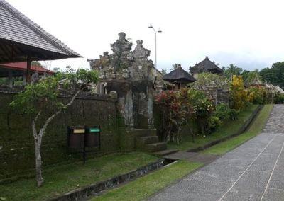 Desa Penglipuran Bangli Bali - Jalan Naik