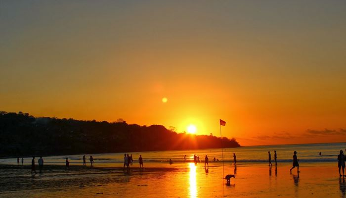 Pantai Jimbaran Bali Sunset Makan Malam Seafood