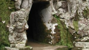 Pura Goa Gajah Badahulu, Gianyar, Bali 01