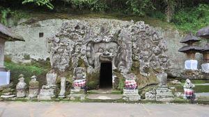Pura Goa Gajah Badahulu, Gianyar, Bali Feature Image