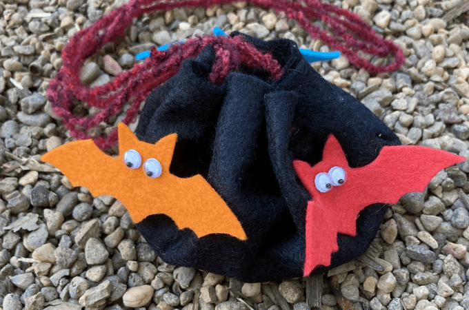 Easy Halloween Treat Bag That Kids Can Make - DIY Tutorial