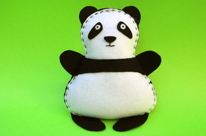 Easy felt panda for kids to sew - Free sewing pattern