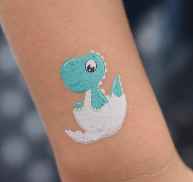 Dinos sehen auch auf der Haut gut aus