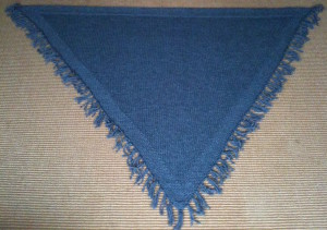 knitted scarf from chunky yarn