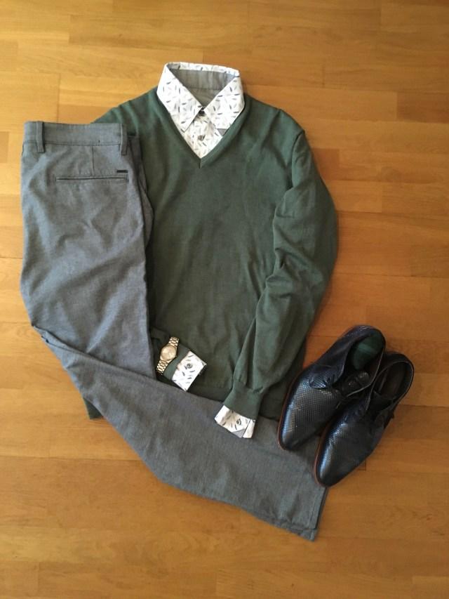 trui met Zonen09 hemd en broek