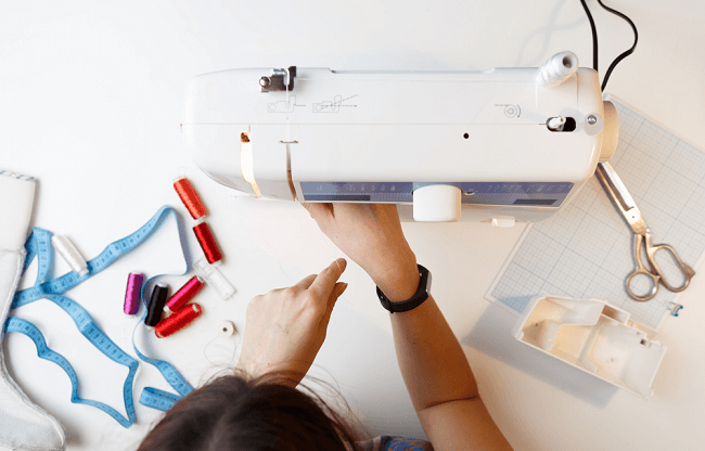How Mechanical Sewing Machines Work