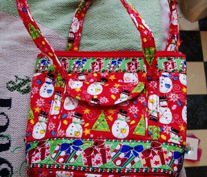 Behold! The Christmas purse I bought. Isn't it fun?