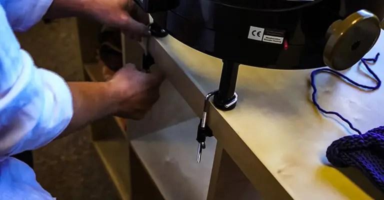 How to use knitting machine 18