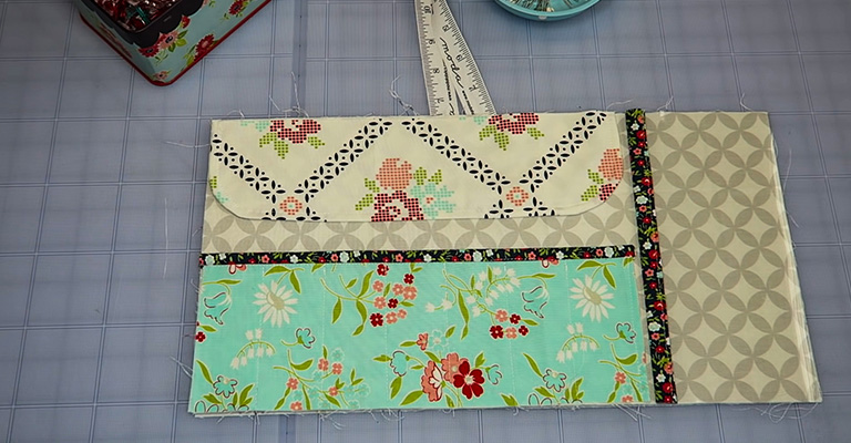 How to Make a Knitting Needle Case 33
