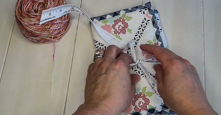 How to Make a Knitting Needle Case 43