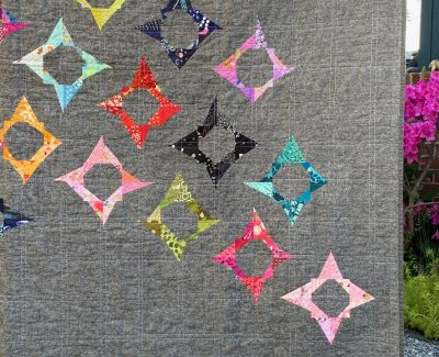 ::  Throwing Stars Quilt ::