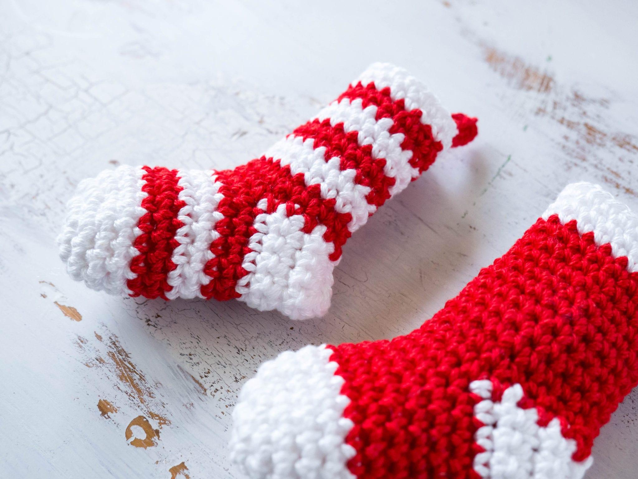 Amigurumi Christmas Free Patterns : Crochet mini stockings christmas ornament sewrella