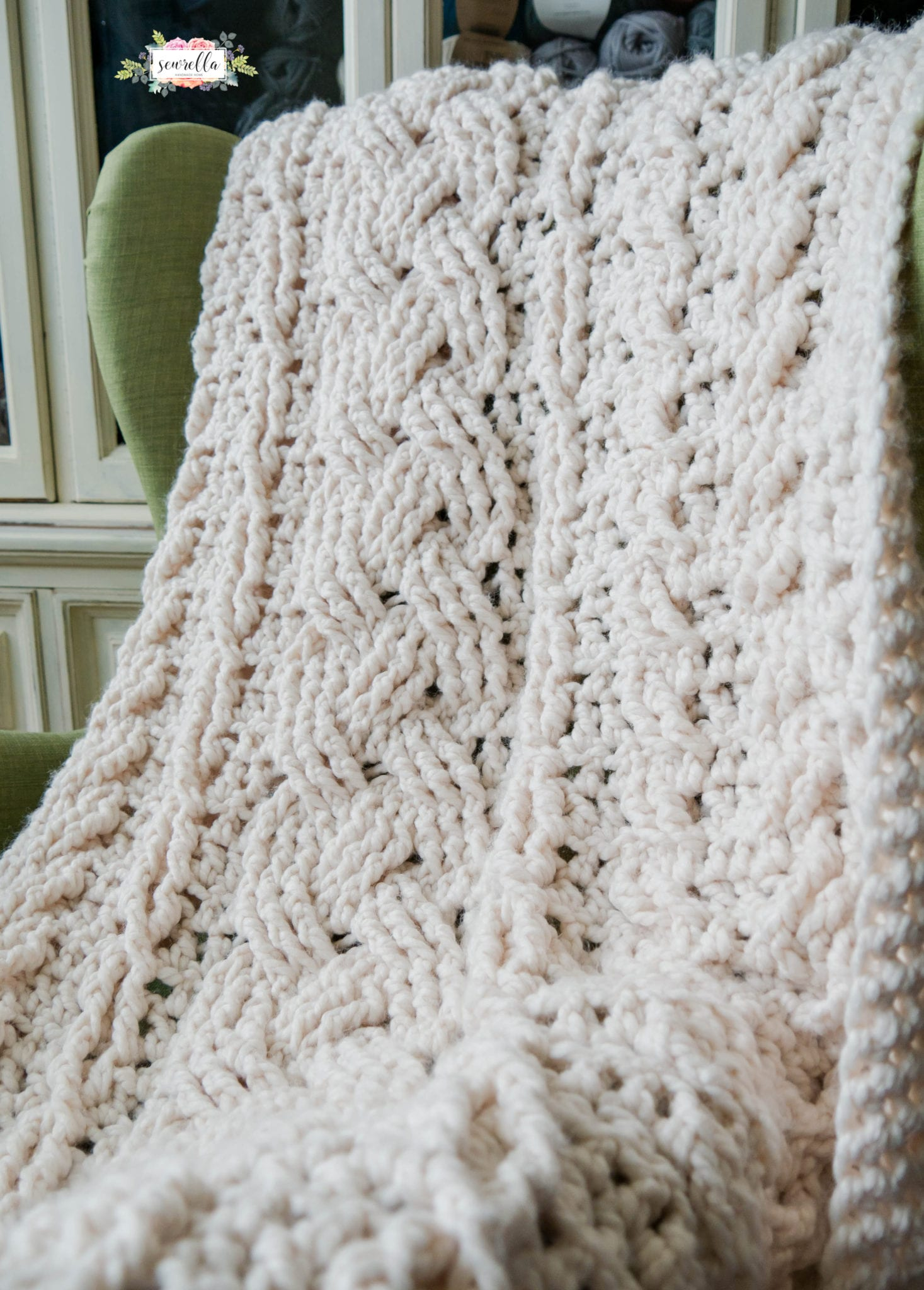 Crochet Heirloom Cabled Throw - Sewrella
