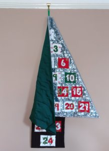 Advent Calendar Folding Over on Itself without the Net Rod