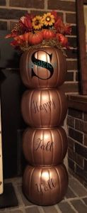 happy-fall-y-all-pumpkin-topiary-gardening-123x300 Thanksgiving Around the Web