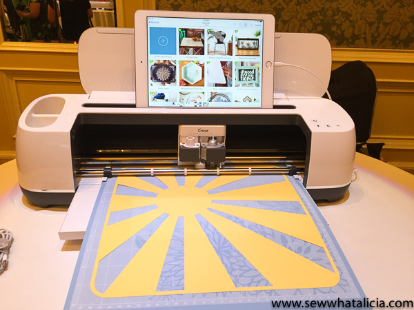 Best Cricut Machine for Sewing: If you are in the market for a cutting machine and you love to sew then this is a must read! Check out all the features that are great for sewists of all levels. Click through for a full review and recommendation. | www.sewwhatalicia.com