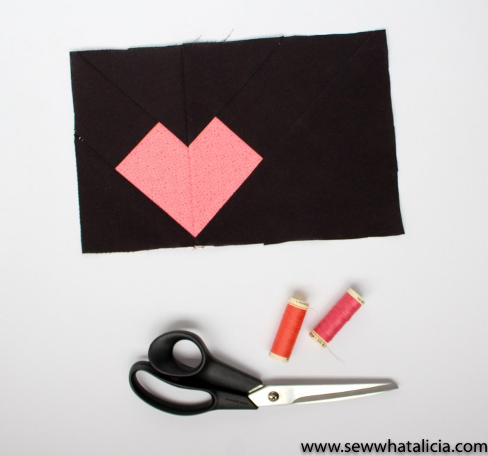 Geometric Heart Paper Piecing Patterns: Head over and grab these adorable heart paper piecing patterns to create something lovely for your love! Click through for the pattern and usage suggestions. | www.sewwhatalicia.com