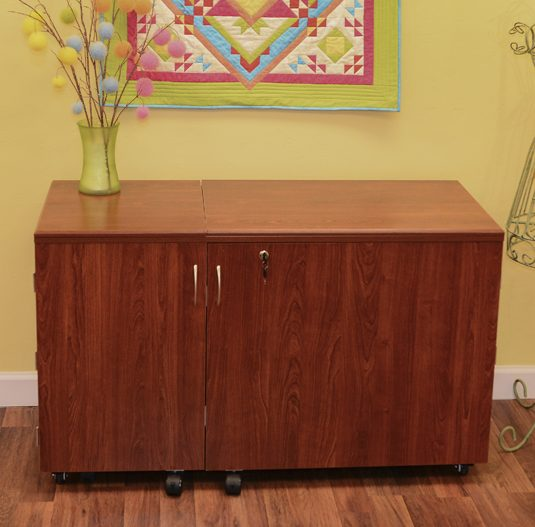 Best Sewing Machine Cabinet: Aussie II | www.sewwhatalicia.com