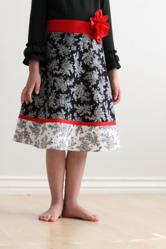 Skirt Sewing Patterns for Women and Girls: A Line Girl's Skirt | www.sewwhatalicia.com