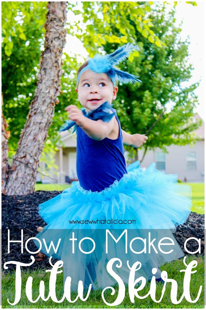 How to Make a Tutu Skirt: Create a fun toddler tutu skirt with this bird costume tutorial. Click through for a full tutorial. | www.sewwhatalicia.com