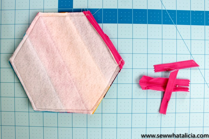 How to Use a Zipper Foot: If you have been dragging your feet about learning how to install a zipper this post is for you! Here is everything you need to know about using a zipper foot! Plus you won't want to miss the super cute fringe pouch! Click through for everything you need to know!   www.sewwhatalicia.com