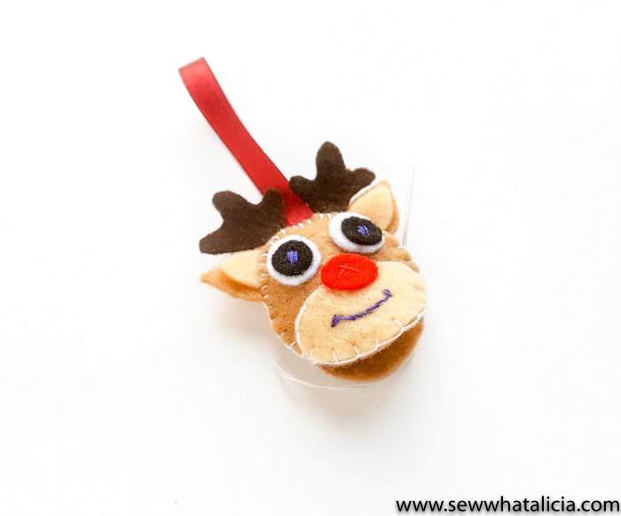 reindeer head with all facial features attached