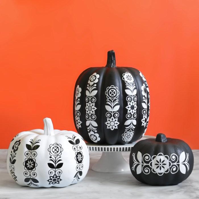 craft pumpkins with folk art
