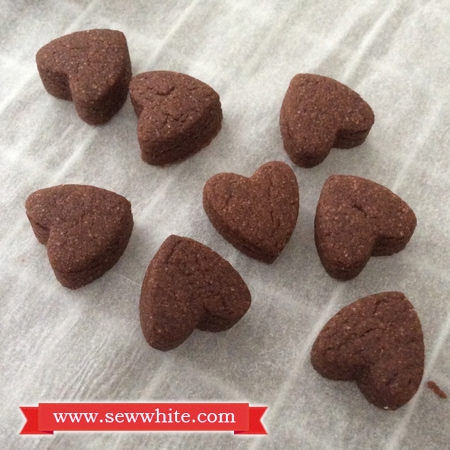 Sew White cardamom chocolate biscuits 4